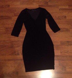 Платье из черного бархата