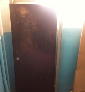 Продам металическую дверь . Размеры 79 шир,193 выс
