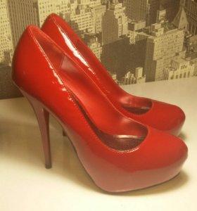 Туфли со скрытой платформой, производство Америка