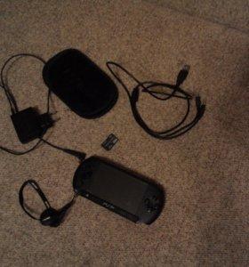 Прошитая PSP E1008+карта памяти 4Гбайт+аксе