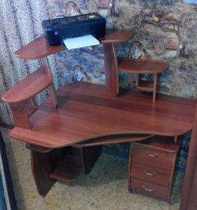 Компьютерный стол(120*90),в отличном состоянии