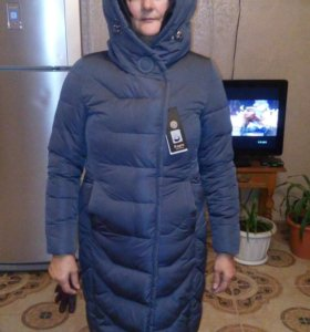 Зимнее пальто на синтепоне.