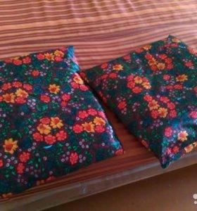 Ковёр, покрывало, одеяло пуховое, подушки