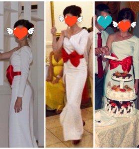 Платье один рукав с разрезом белое с бантом