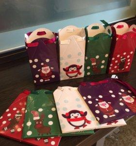 Подарочные коробочки avon (5x5x9)