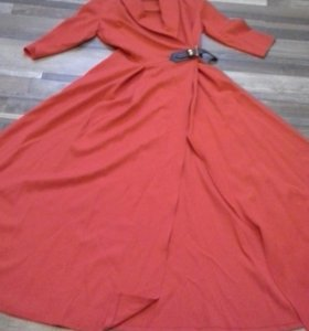 Шикарное красное платье в пол)))
