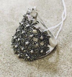 Кольцо новое из серебра 925 пробы