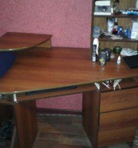 Компьютнрный стол