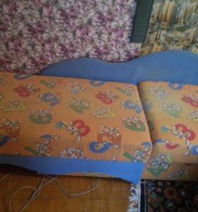 Срочно продам детскии диван