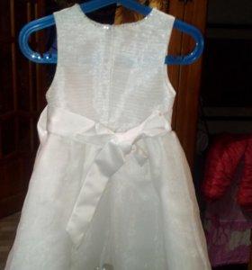 Платье на девочку 2-4 года