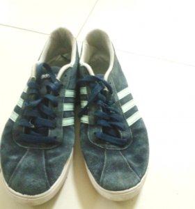 Кроссовки. Adidas