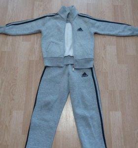 Спортивный костюм на флисе(фирменный)
