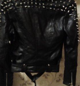 Куртка с шипами