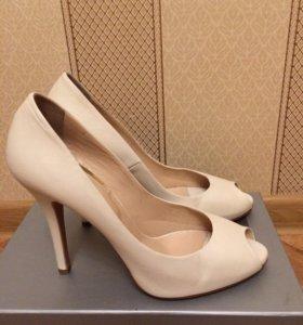 Туфли новые 38,5