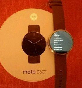 Смарт-часы Moto 360