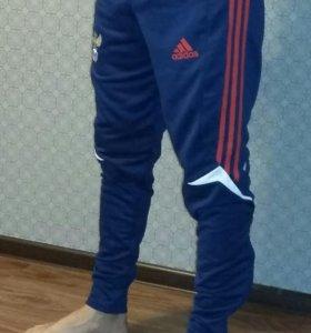 Тренировочные брюки новые