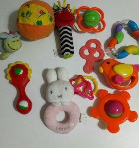Игрушки в рюкзачке