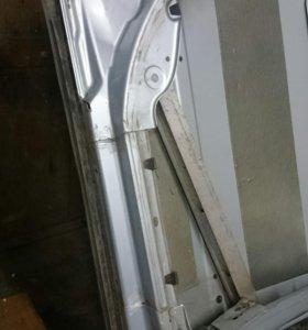 Дверь задняя левая ауди а6с5 серебро