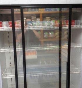 Холодильник двухстворчатый