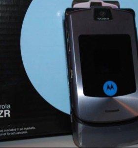 Новый телефон Motorola razr V3i графитовый цвет
