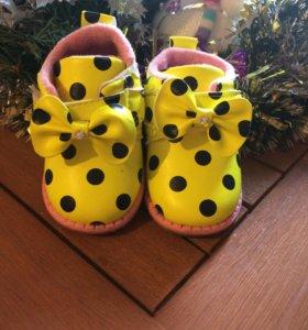 Модные ботиночки для девочки как новые