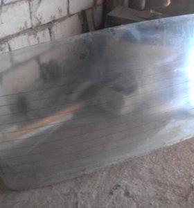 Задняя лобовое стекло