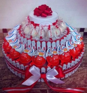 Тортики и букетики из конфет для любимых