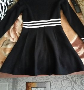 Теплое новое платье