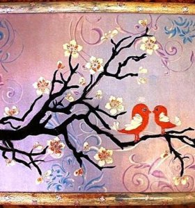 Райские птички на ветке цветущей сакуры. Картина