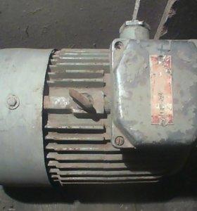 Электродвигатель 7.5 кВт 3000 об/минн