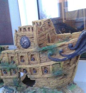 Декоративный корабль для аквариума