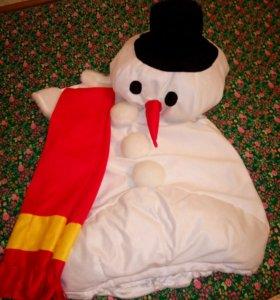 Новогодний костюм снеговика.