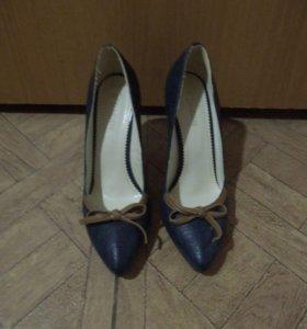 Туфли синие 39р.