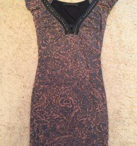 Платье с красивым вырезом