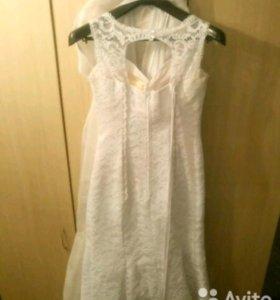 Платье белое А-силуэт