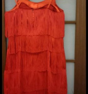 Вечернее платье с бахромой в стиле латино