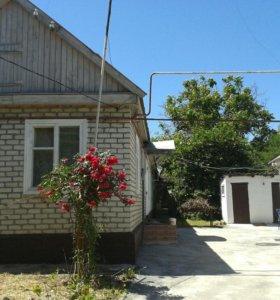 Продаю 2 дома в одном дворе