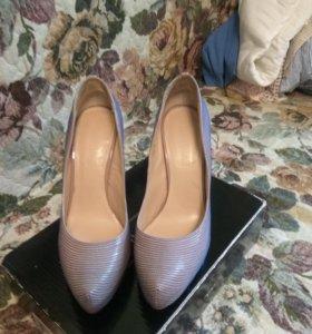 Туфельки Сolin Stuart р-р 39