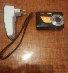 Цифровой фотопарат с зарядным устройством