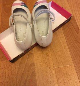 Туфли для девочки. 35 размер. Натуральная кожа