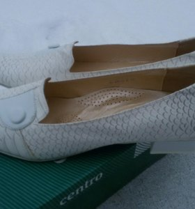 Туфли Centro белые новые иск. кожа 40 разм.