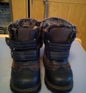 Зимние ботинки  22 размер