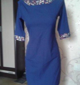 Вечернее платье со стразами