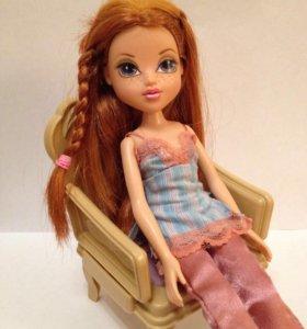Кукла Moxie с доп. одеждой и аксессуарами.