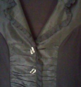 Блузка стрейчевая.