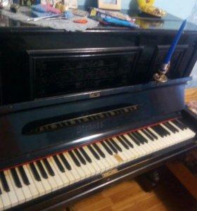 Пианино. Старинное