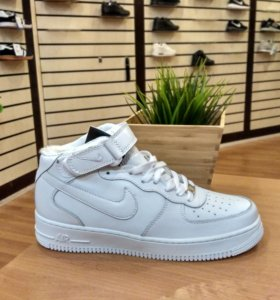 Новые белые Nike Air Force с мехом и без