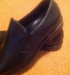 Новые кожаные туфли , размер 43-44