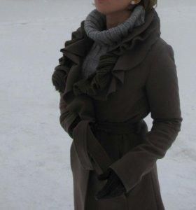 Пальто шерстяное, демисезонное.