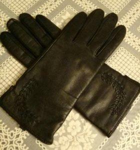 НОВЫЕ демисезонные кожаные перчатки